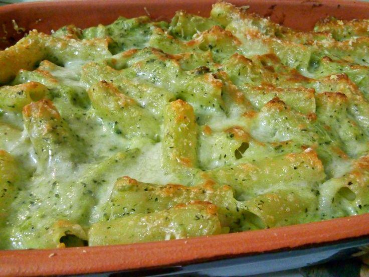Pasta e broccoli al forno Ingredienti: per una teglia (30X20X5cm) -circa 270gr di pasta del formato a piacimento (preferibilemte corta) -250gr di broccoli