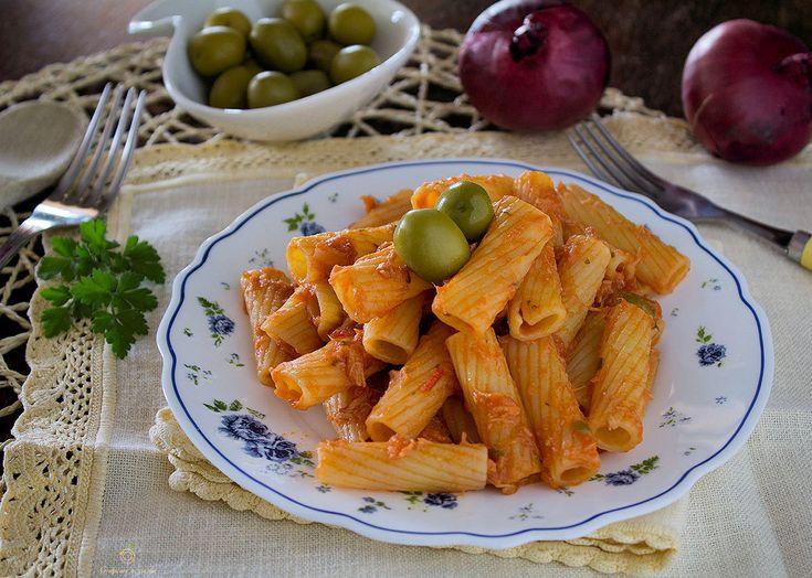 Pasta tonno e olive veloce e semplice