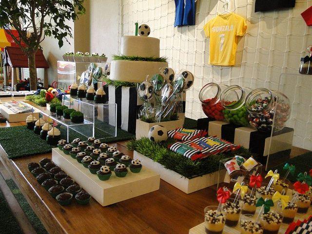 37 best soccer birthday party ideas images on pinterest - Decoracion fiesta cumpleanos ...