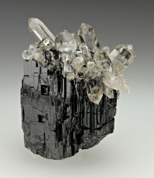 Quartz on Schorl / Mineral Friends <3