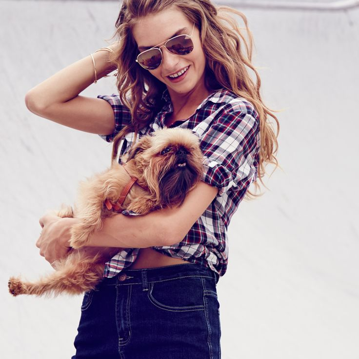 The CF Split Pencil Skirt, Carolina Cotton Shirt. #dog #fashion #cottonon #checkedshirt #womensfashion #streetstyle