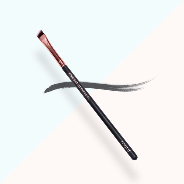 Straight to the Point small precision eyeliner brush is angled for a precise finish when lining the eyes. Achieve a variety of looks or the perfect cat eye