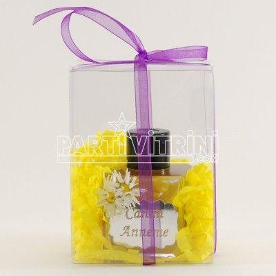 Anneler günü için geri sayım başladı  Mis kokulu annelerimize özel şişesi pleksi-aynalı renkli oda kokuları hediye etmek istemez misiniz? 13 farklı koku çeşidi ile sizleri bekliyor