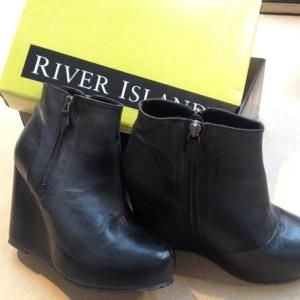 River Island boots...Brand new £25