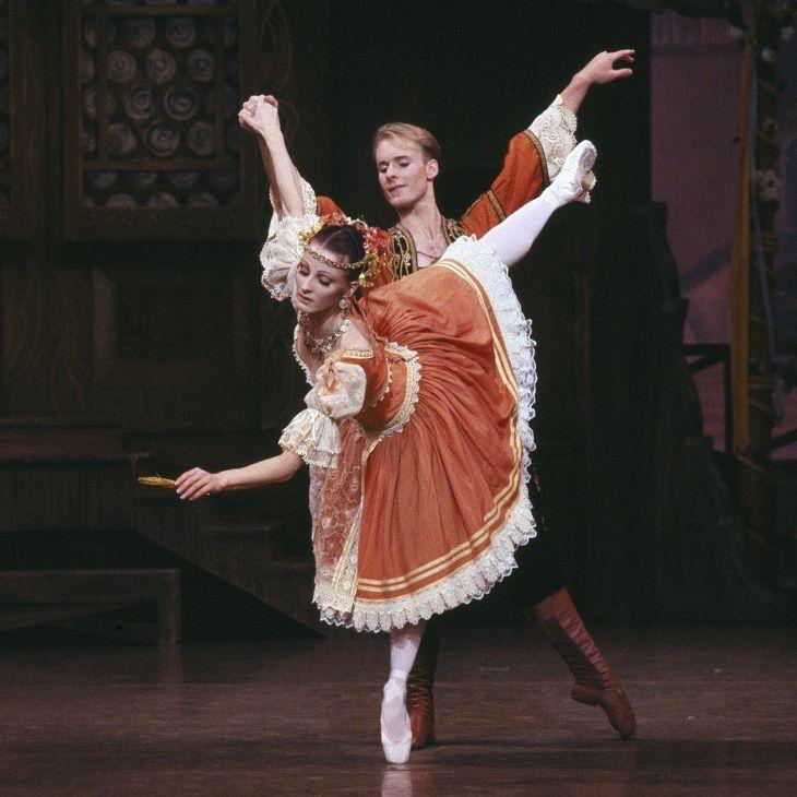 Lisa Pavane and Greg Horsman in Coppélia. The Australian Ballet - 1992