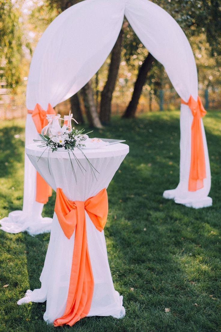 Столик для росписи и обручальных колец  Table for wedding rings