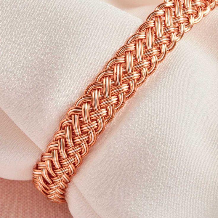 Kumihimo Wirework Made Easy: Bracelet royal