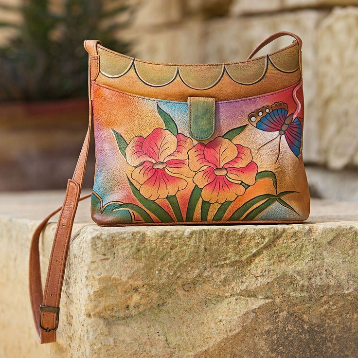 Members of the Basu family have been producing hand-painted, collectible leather bags for more than 20 years. Inspired by the Kolkata's formal Victoria Garden. #India