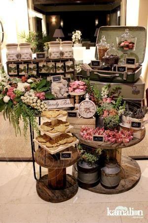 www.kamalion.com.mx - Mesa de Dulces / Candy Bar / Postres / Rosa & Verde / Pink & Green / Vintage / Rustic Decor / Lecheros / Macarones / Carrete / Flores. by marjorie