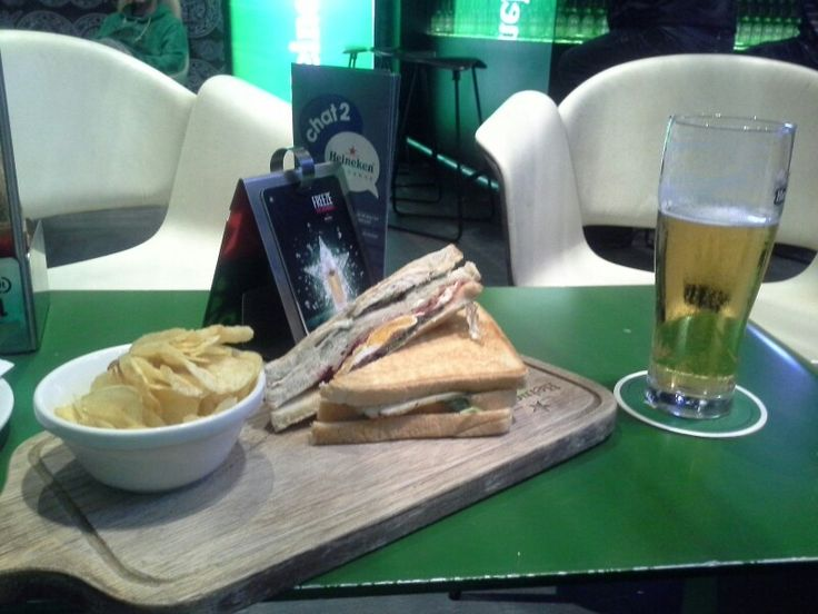 Dinner at Dubai International Airport ... Heineken Cafe