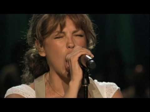 Music video by Thalía performing Qué Será De Ti (Como Vai Voce) - Official Video Clip. (C) 2010 Sony Music Entertainment US Latin LLC