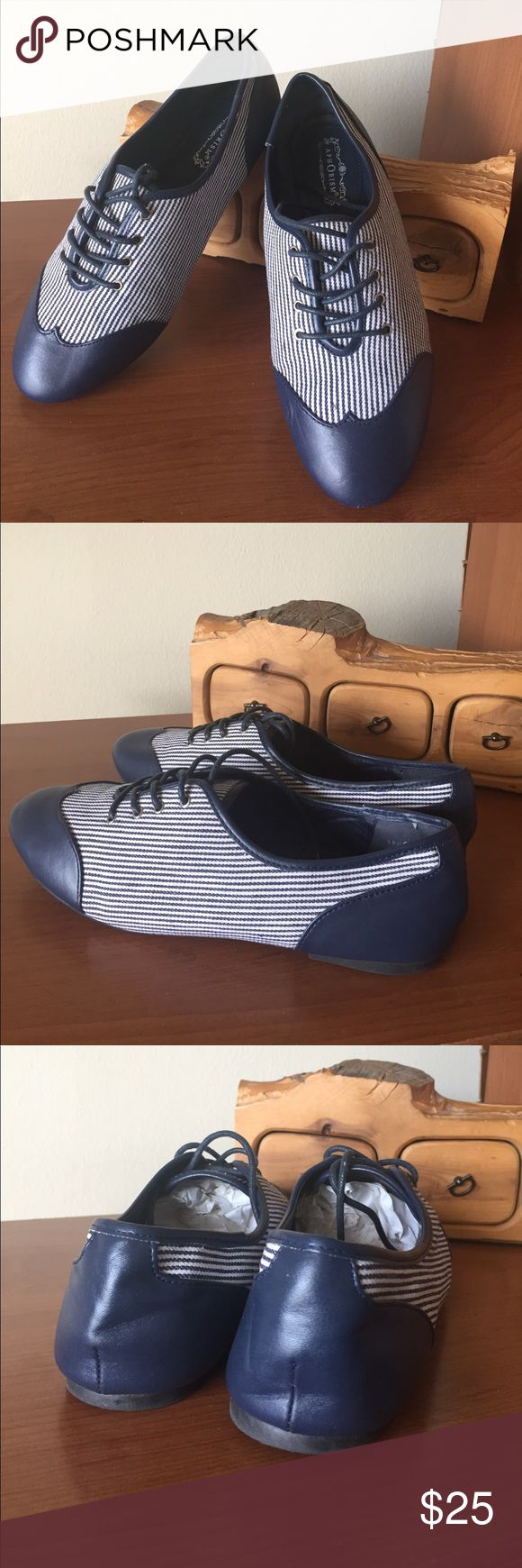 APHORISM CHATHAM Blue Wingtip Oxford Shoe APHORISM CHATHAM Womens Blue Wingtip Widows Peak Striped Oxford Shoe. In good used condition. Aphorism Shoes Flats & Loafers