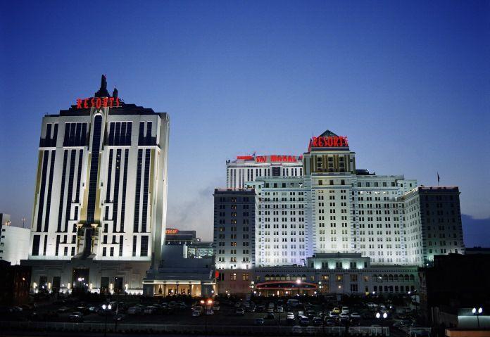 Регулятор Нью-Джерси оштрафовал Resorts Casino за ошибку электронной системы.  Государственный регулятор американского штата Нью-Джерси наложил штраф на, работающее в Атлантик-Сити, игорное заведение Resorts Casino Hotel в размере $7187. Казино наказали за допуск к игре гемблер�