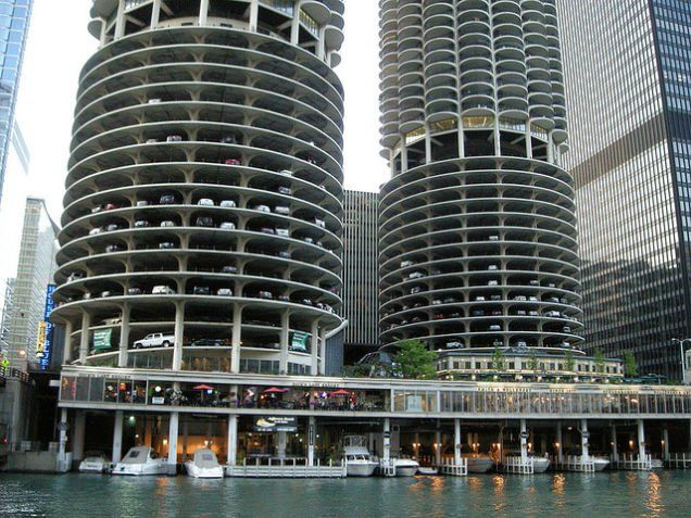 drake michigan garage copy package the chicago neighborhood magnificent mile avenue parking garages