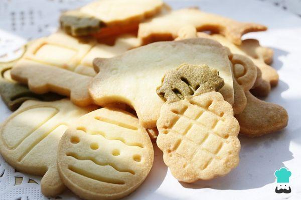Aprende a preparar galletas fáciles y rápidas para Navidad con esta rica y fácil receta. Consiente a los más pequeños con unas galletas fáciles y rápidas para...