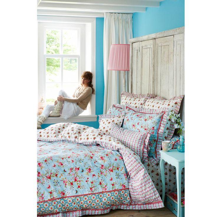 die besten 17 bilder zu betten mit sch ner bettw sche auf. Black Bedroom Furniture Sets. Home Design Ideas
