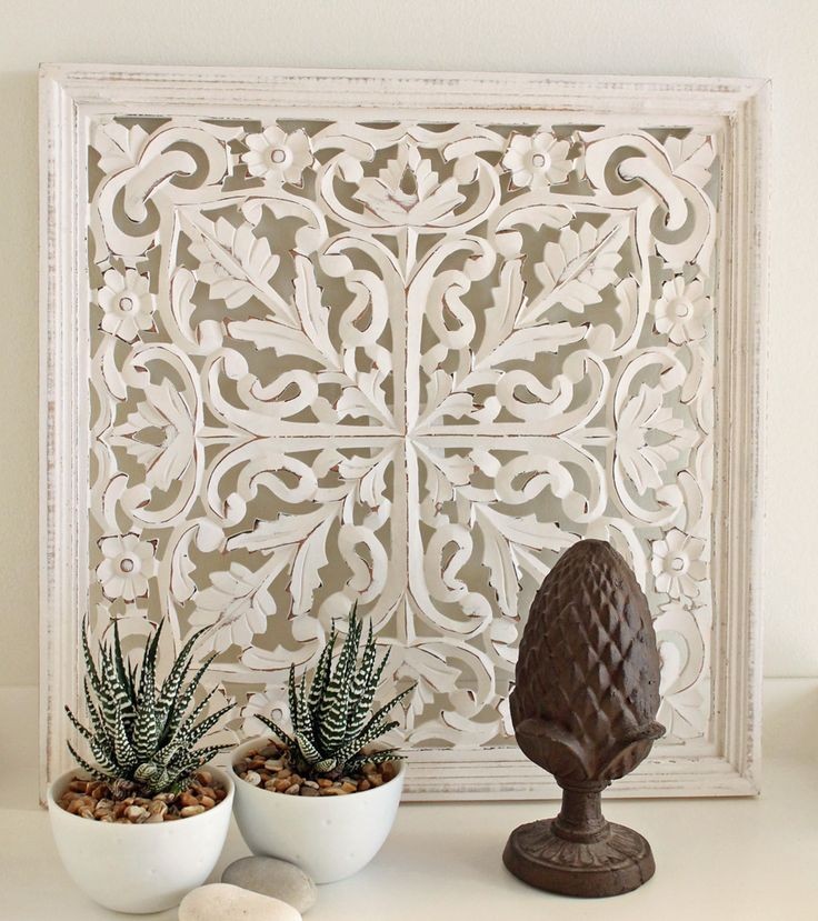 Snidad tempeltavla/väggdekoration/walldeco i vitt