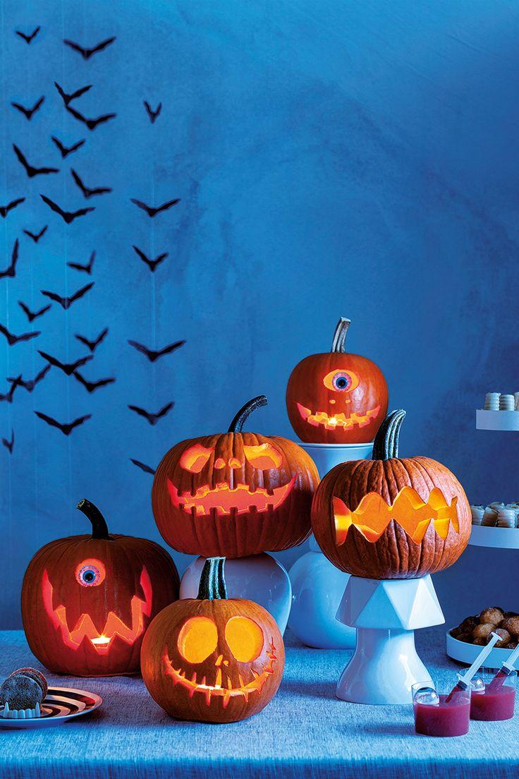 Plano do dia: esculpir uma abóbora em família! As crianças vão adorar! #Halloween #Abóboras #Morcegos #Velas