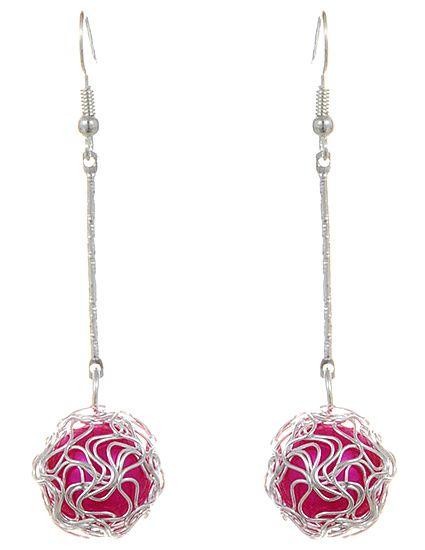 Zilverkleurige oorbellen gevlochten hanger met roze parel