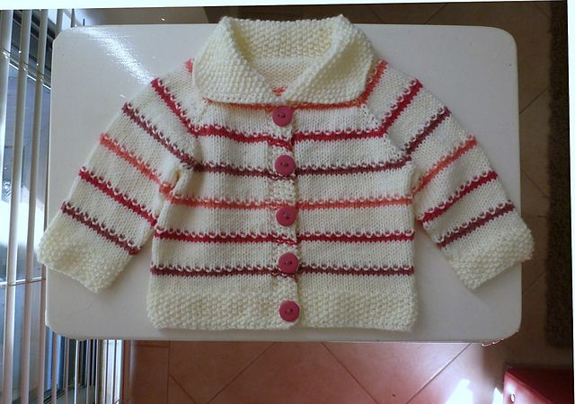 Ravelry: sofiecat's Newborn cardigan