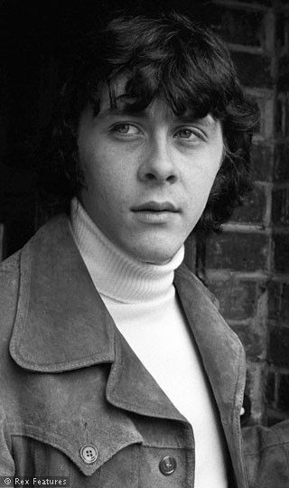 In memory of Richard Beckinsale - (b 07/06/1947 Nottingham, England - actor - died very young 03/19/1979 at age 31 (actress Kate Beckinsale's father)