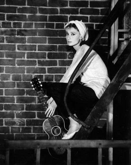 Audrey Hepburn: Huckleberry Friends, Style, Breakfast At Tiffany'S, Breakfast At Tiffanys, Audrey Hepburn, Audreyhepburn, Movie, Moon Rivers, People