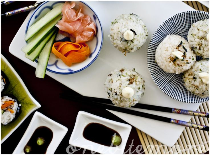 How to make sushi rice and pickled carrots