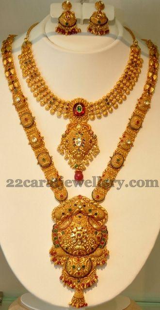 Jewellery Designs: Khazana's Gold Sets in Antique