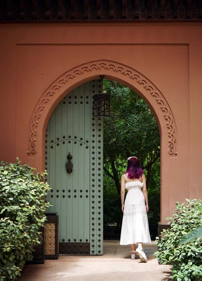 royal mansour morocco, female travel fashion blogger, marrakesh luxury hotels, 5 star riad, royal mansour hotel gardens. see the full post at http://www.lacarmina.com/blog/2016/10/royal-mansour-morocco-luxury-hotels-spas/