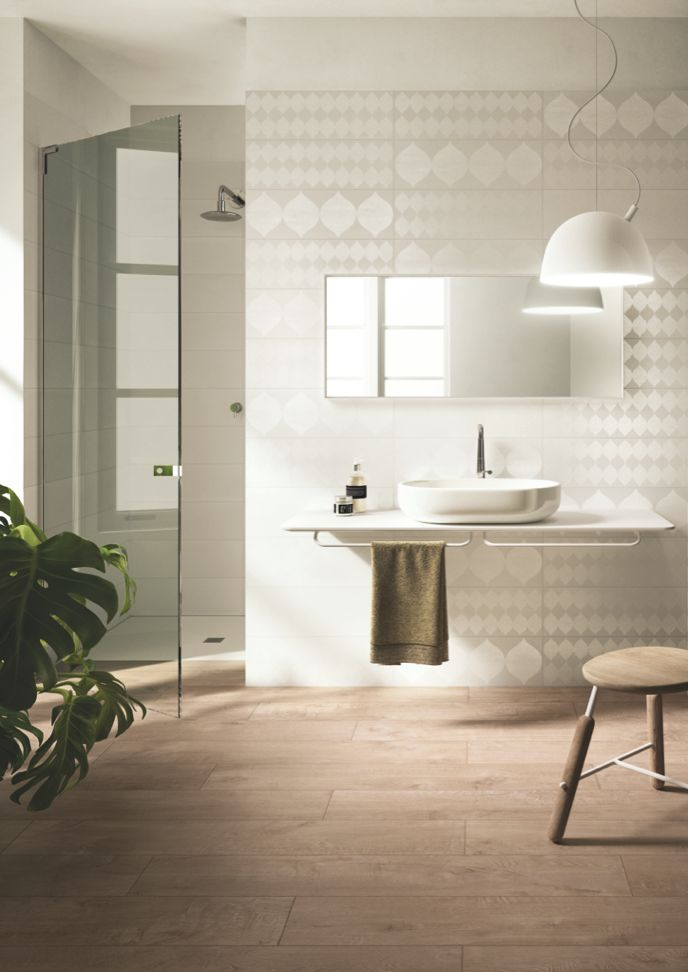 Edilcuoghi Tone Satin. Simple elegance, natural design. Satined sufaces slightly changing, dialogue with a sophisticated interior design. #washbasin #bathroom #mirror #white #beige #gres #edilcuoghi #tile #decor  #contemporary #geometrical #shower