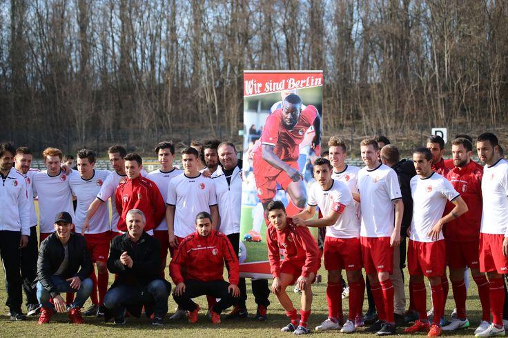 Die #Mannschaft schickt Genesungswünsche an unseren Spieler #Fousseni #Alassani (siehe Roll-Up Display)