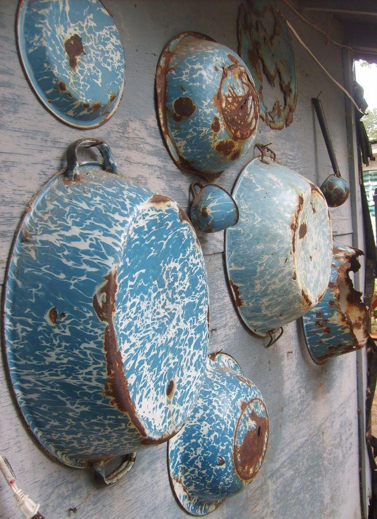 love old enamel wareMoma Yards, Vintage Enamelware, Collection, Graniteware Enamelware, Rust, Wood Wall, Enamels Ware, Antiques, Blue Graniteware