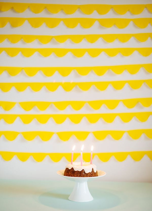 Simple way to change up your regular crepe paper streamers for a party! Love this!
