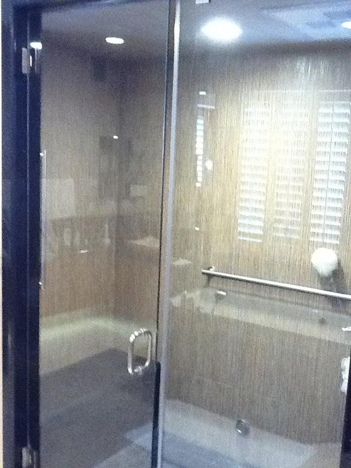#BathroomRemodel in #ThousandOaks & Agoura Hills | #BayouthConstructionServices