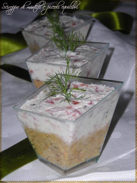Bicchierini di cheese cake salati ai taralli e crema alla finocchiona