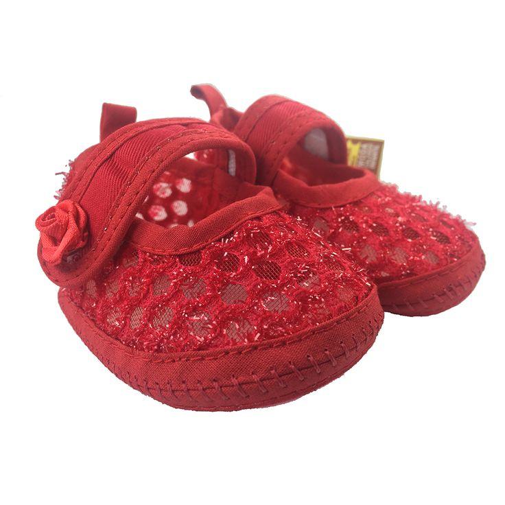 Hermosas Baletas veraniega que brinda confort y estilo, para que tu princesa en días calurosos los pueda usar cómodamente, debido a su forma permite que el aire pase y refresqué los pies de tu bebe. Trae un accesorio coqueto en forma de rosa. https://nibi-baby-store.pswebstore.com/zapatos-nina/26-baleta-rosa-verano.html