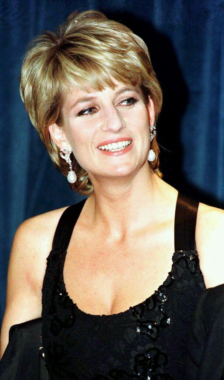 Princess Diana. Stunning!