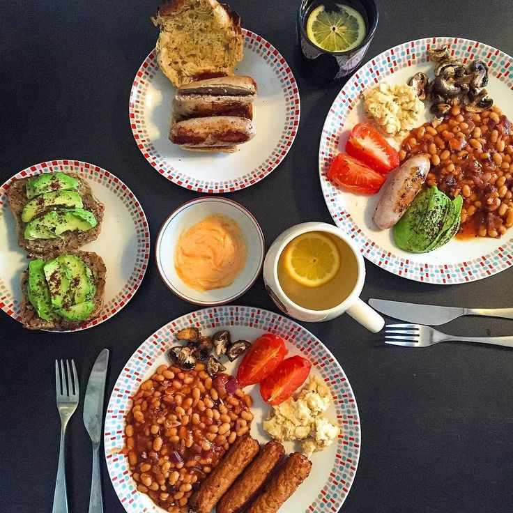 There's nothing more indulgent than a fry up on a Sunday. Super easy to whip up a veggie & meat version at the same time  Veggie sausages scrambled eggs Marsala baked beans fried tomatoes & mushrooms with a side of sumac avocado