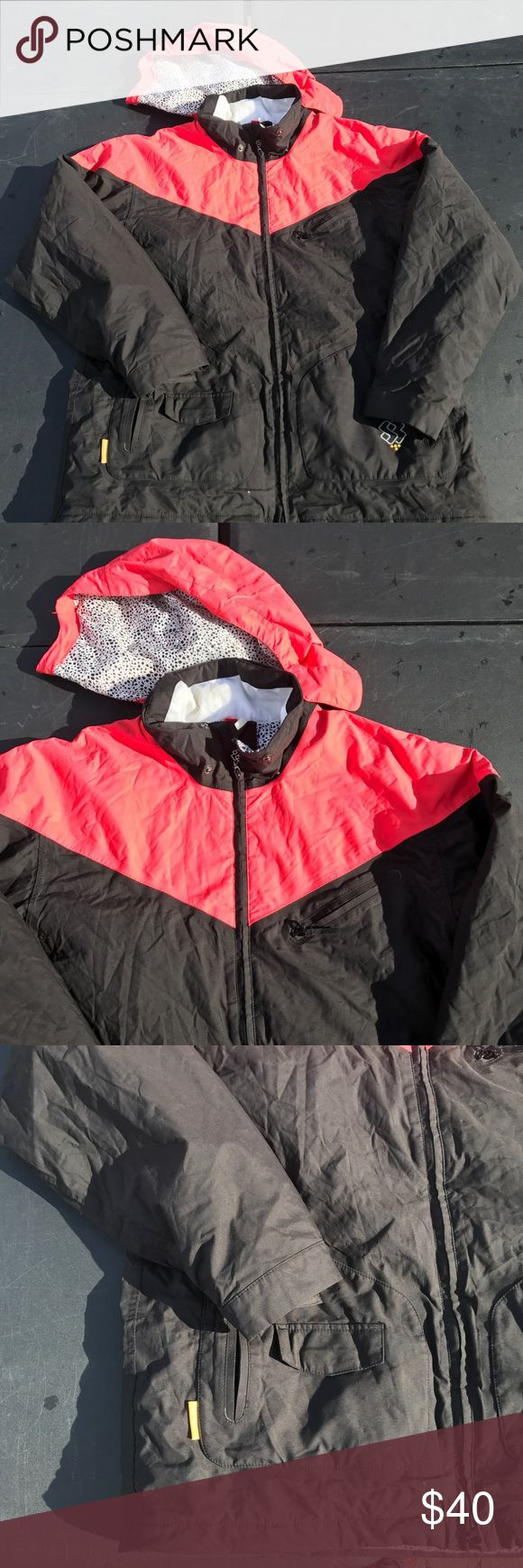 Special blend snow jacket snowboarding medium Men's  Size medium  Snow boarding jacket  Fire red and black  All zippers include  Smudge in neck  Gray condition , no rips Special blend The North Face Jackets & Coats Ski & Snowboard