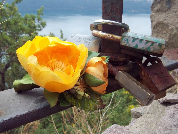 Groom's Boutonniere - Yellow Ranunculus – Bottoniera Sposo - Matrimonio Estivo - Summer Wedding - FOLKflor on DaWanda