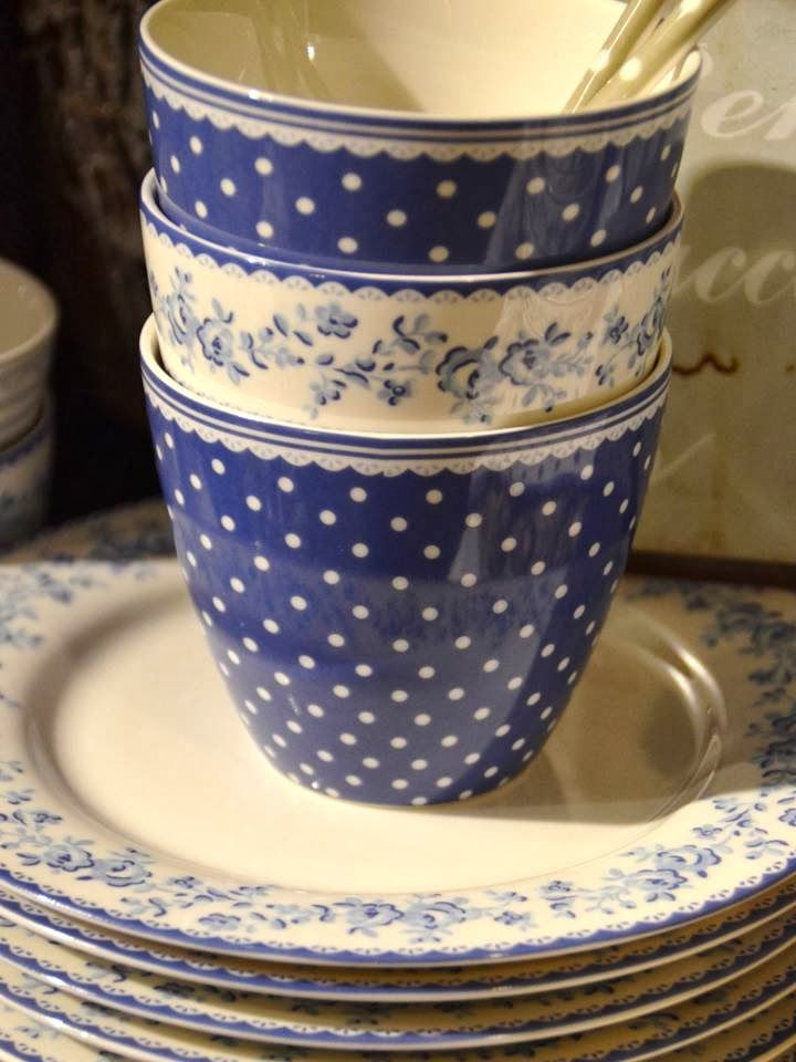 blue & white tea cups and plates