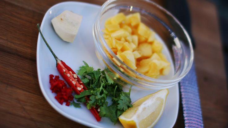 Søt mango med sterk chili og korianderblader blir en god mangosalat.