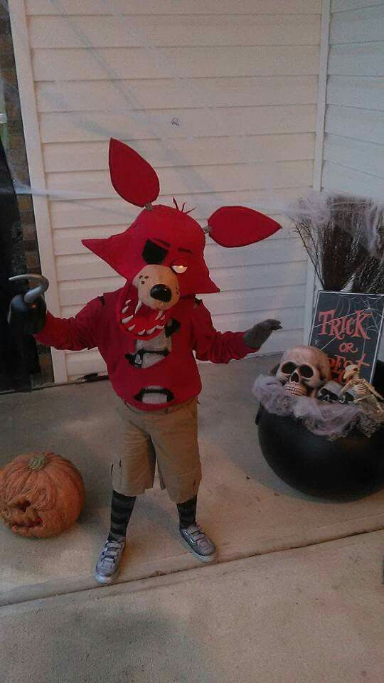 Homemade Five Nights at Freddy's Foxy costume Halloween Cosplay DIY