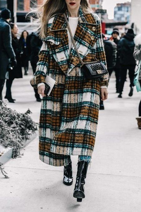 OMG! We're loving this oversized plaid coat.. add a dark red lip and you're good to go.