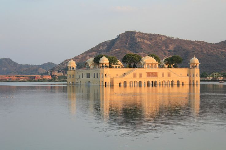 Find cheap flights to Jaipur with TicketstoIndia.co.uk.
