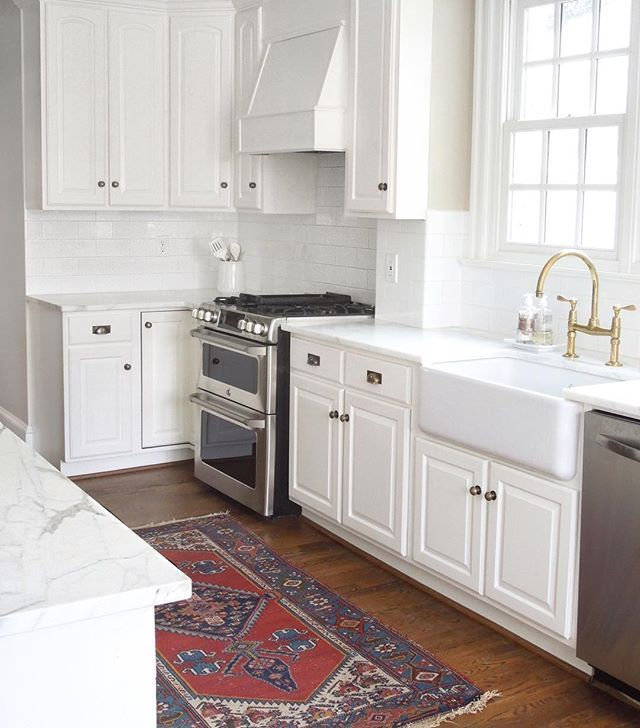 Benjamin Moore Antique White Kitchen Cabinets: 556 Best Images About White Kitchens On Pinterest