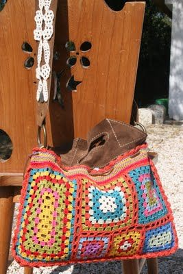 photo of a crocheted handbag combined with leather - nekka: Sacos