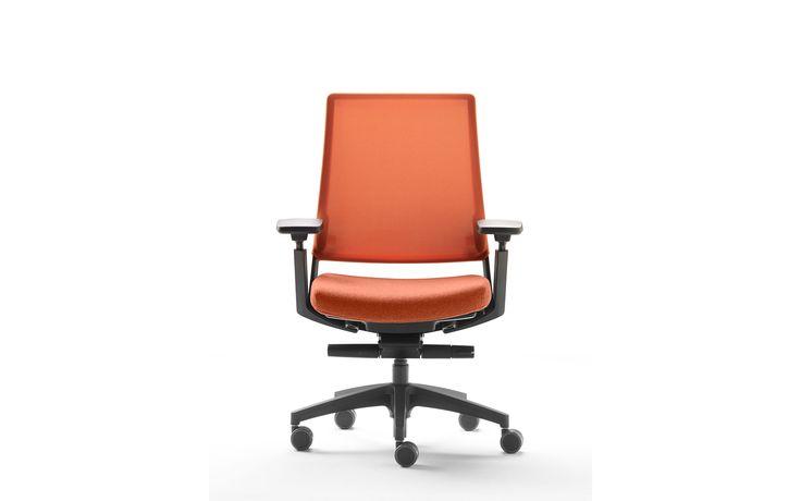 Kineo De Kineo bureaustoel is ontworpen om maximaal comfort te bieden tijdens het werk. De stoel bevat het nieuwste 'side to side' mechanisme, dat tijdens de levensduur van de stoel zorgt voor voldoende beweging van de spieren en de wervelkolom van de gebruiker, wat bevorderlijk is voor de gezondheid.