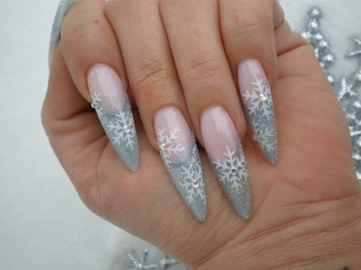 Nails Done Right: Christmas Nail Art, don't like them pointy, but more squarish or rounded and I'd love these