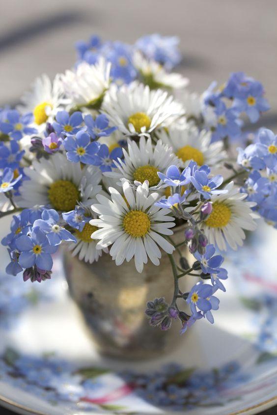 Wedding ideas by colour: blue wedding flowers   CHWV